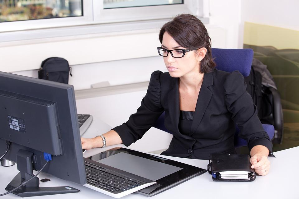 accountant woman small business computer